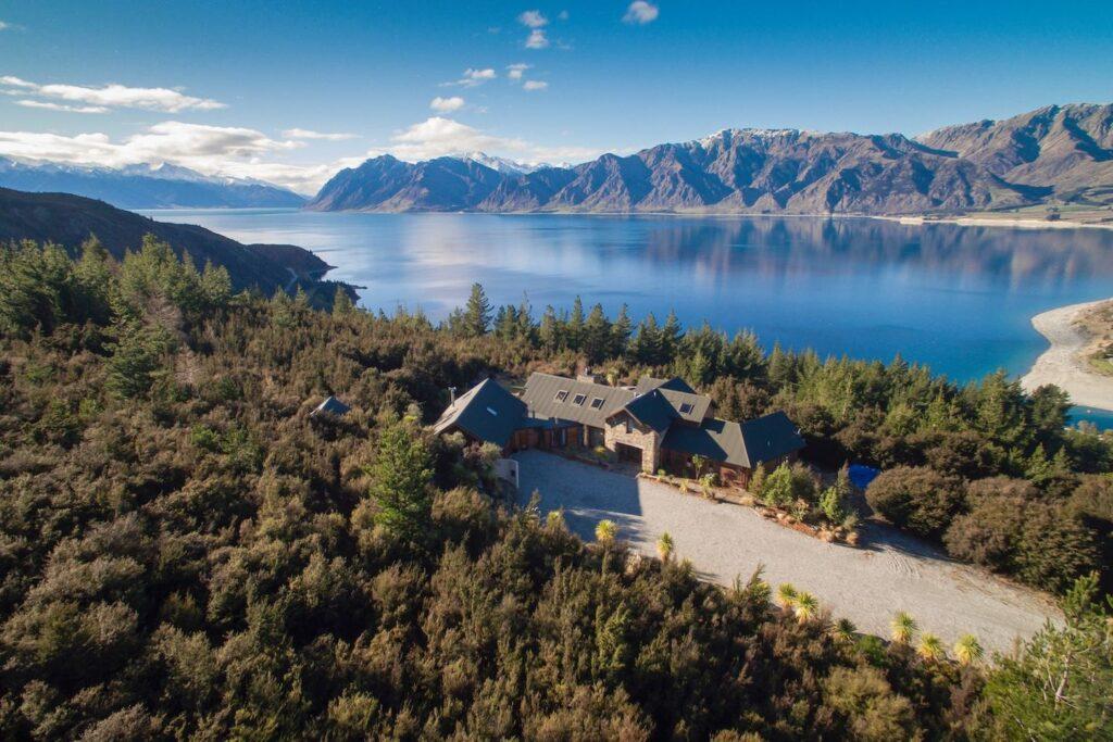 Lake Hawea View - Wanaka wedding venue and accommodation